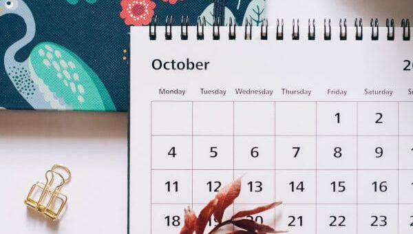 pexels-koledar-oktober-600px (1)